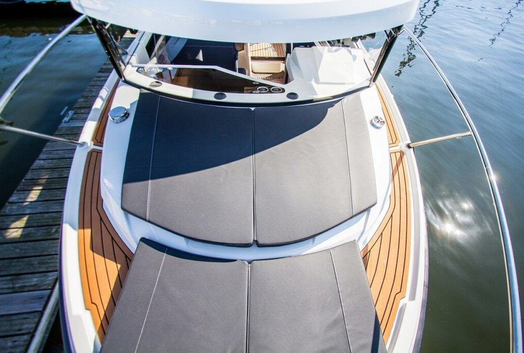 sundeck boat