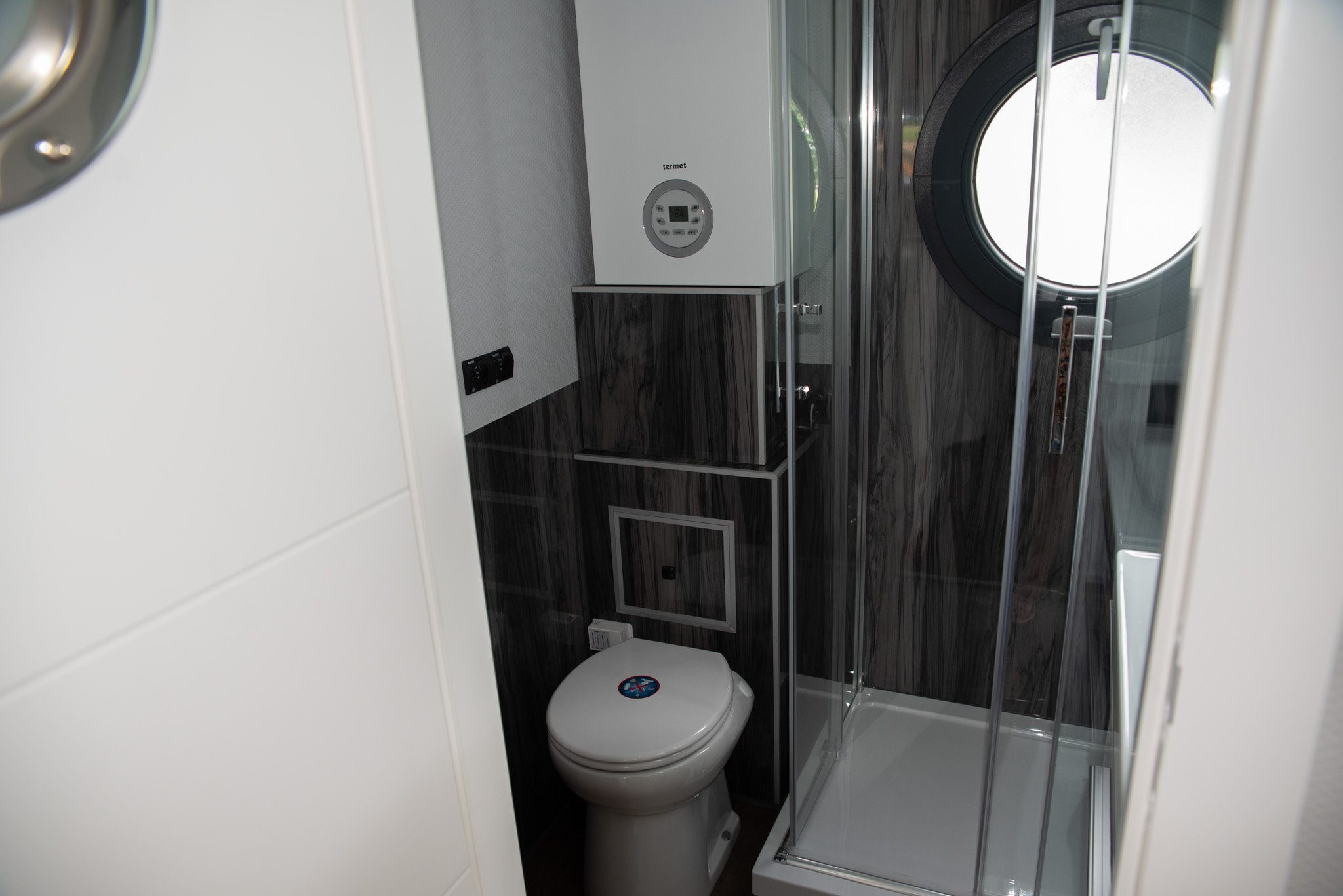 Apartboat l wc