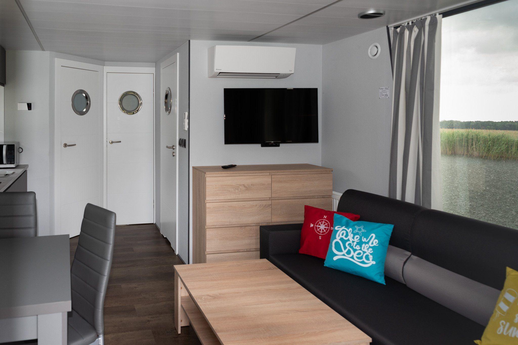 apartboat l interior