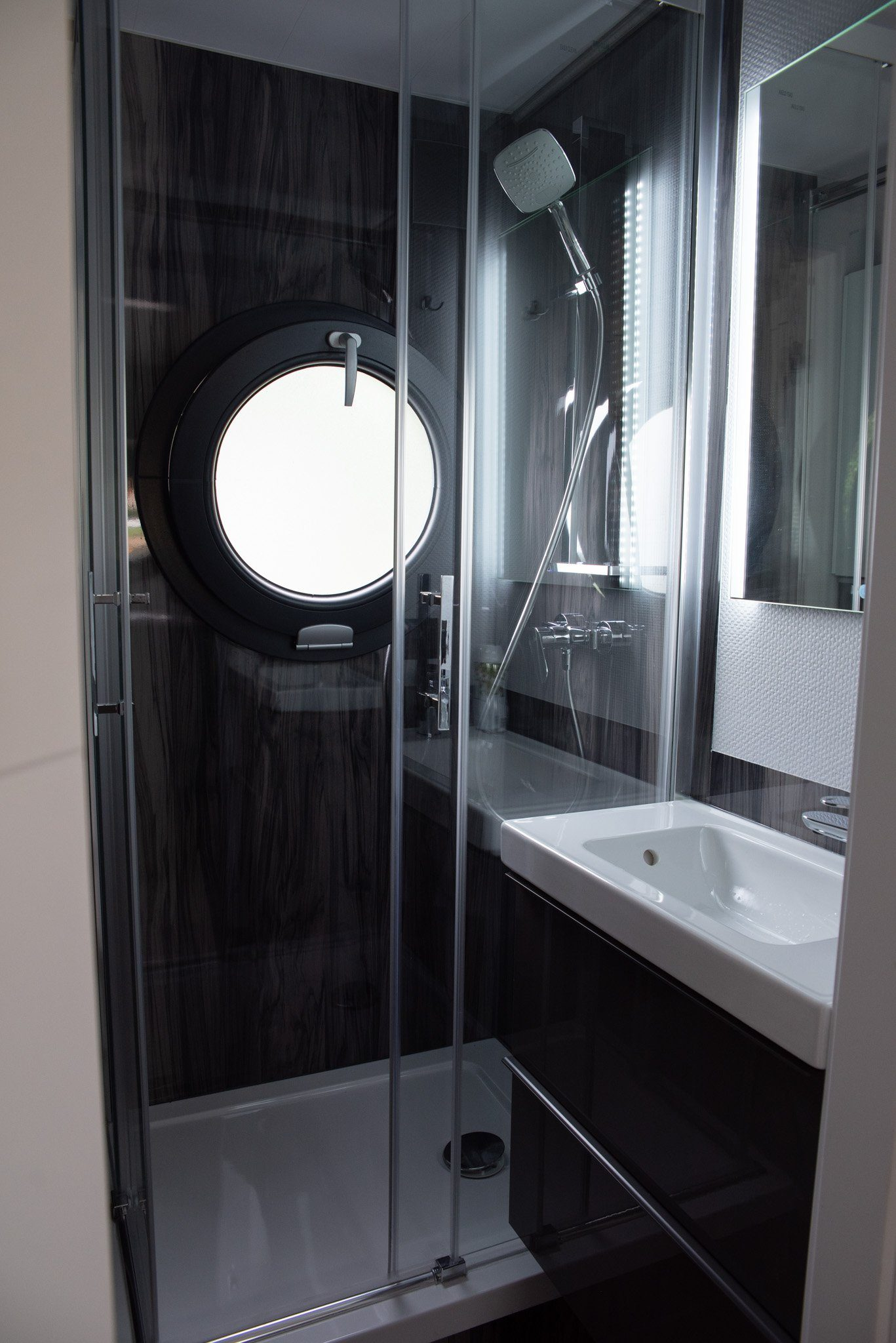 bathroom on floating boat