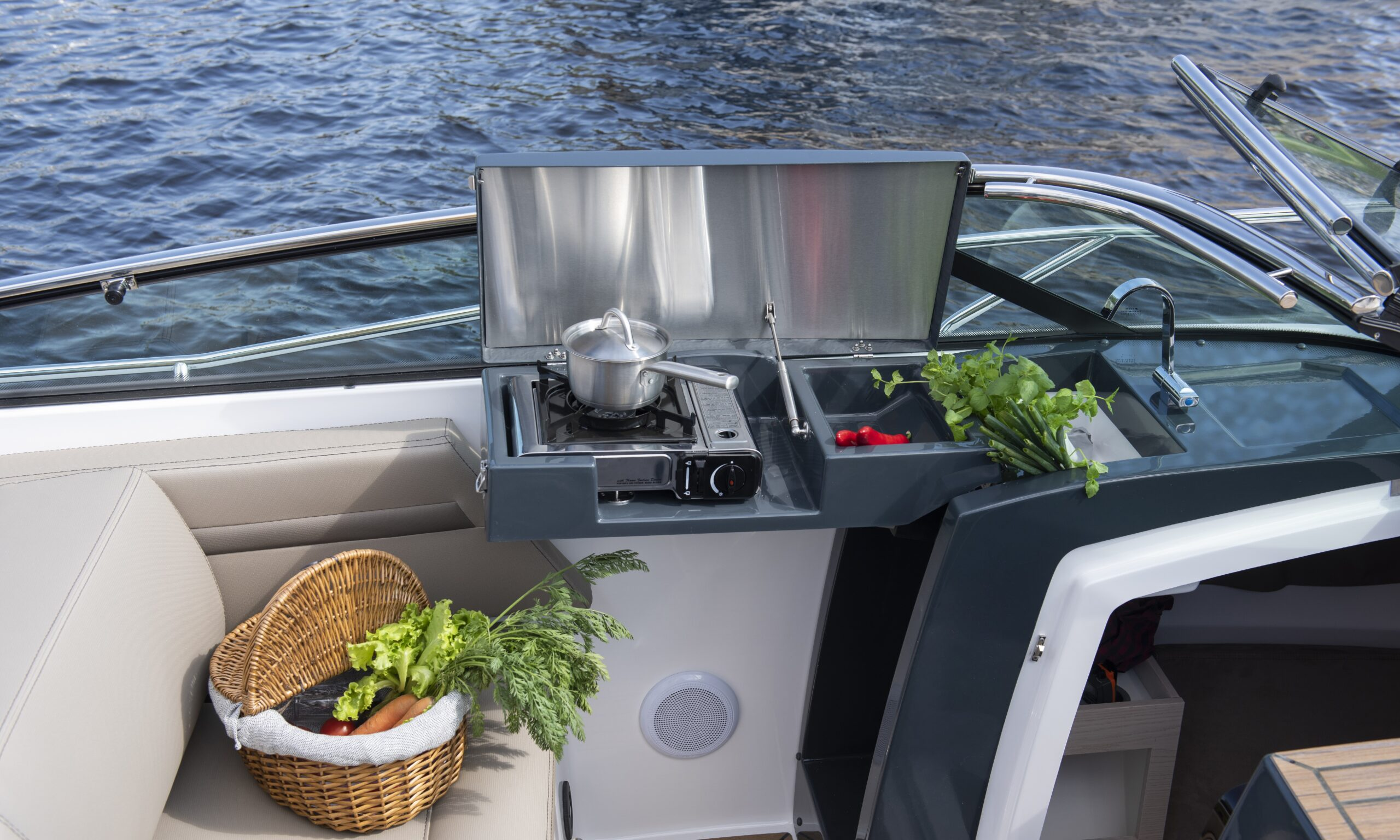 flipper 800 dc galley
