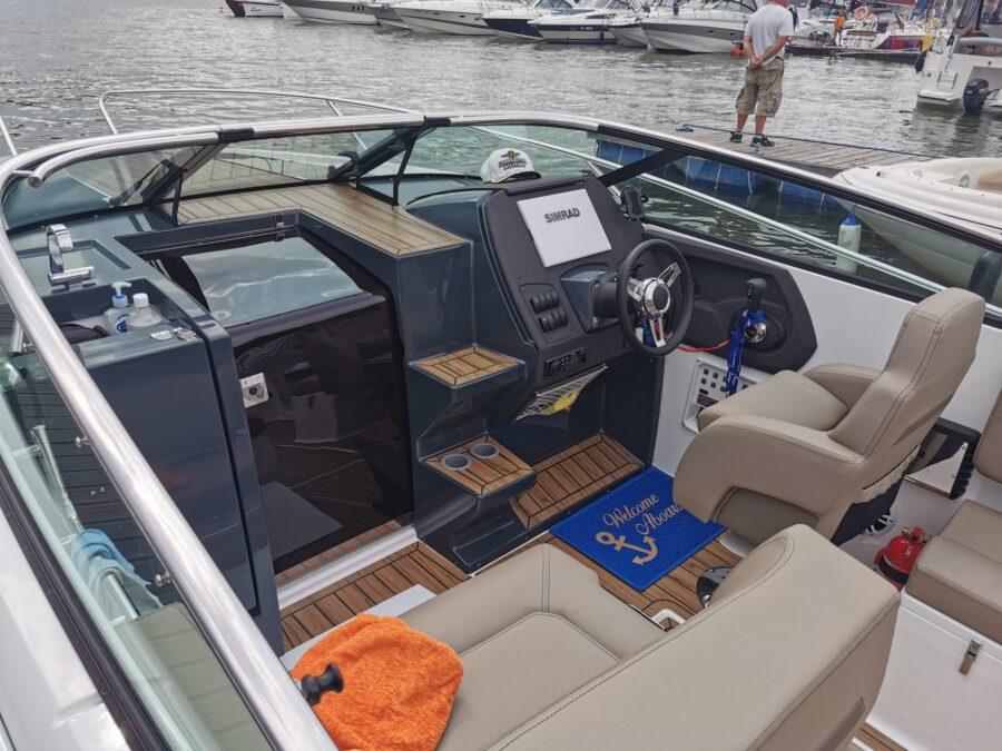 flipper 800 dc premium wheelhouse