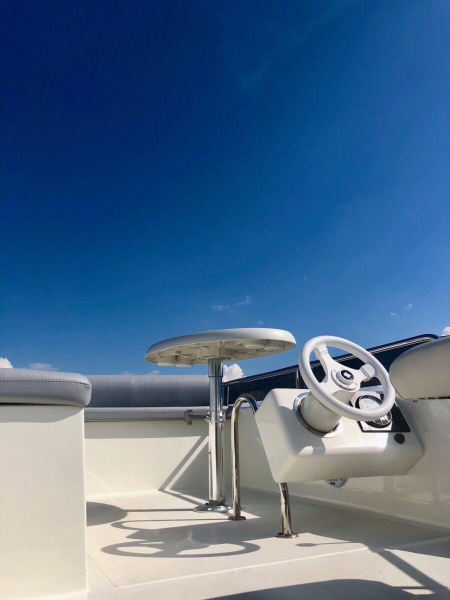 futura 40 mboat flybridge