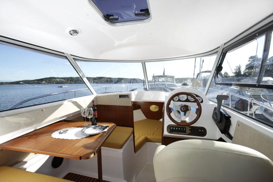 mazury 700 camping cruiser cabin boat