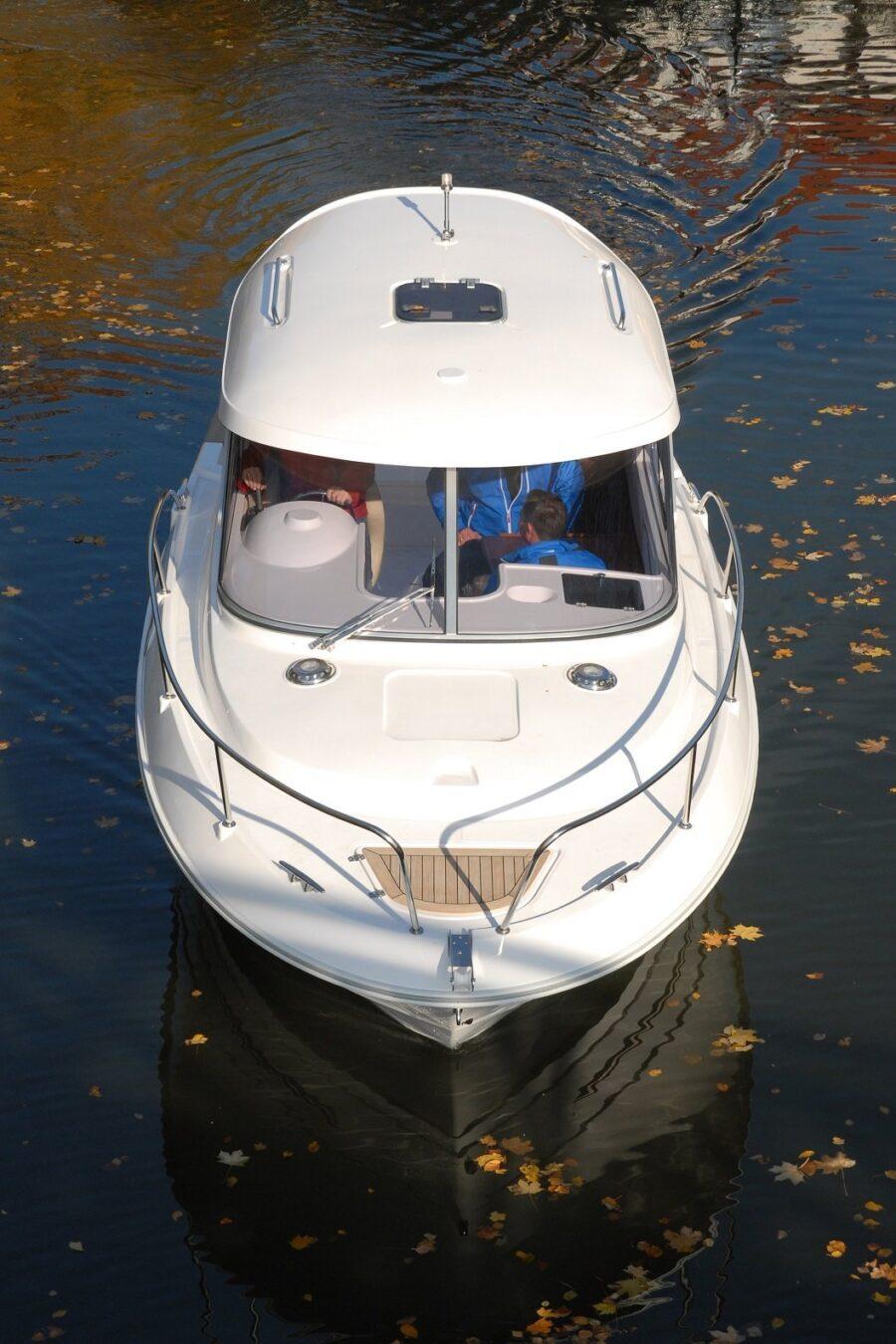 mazury 700 cc motor boat front