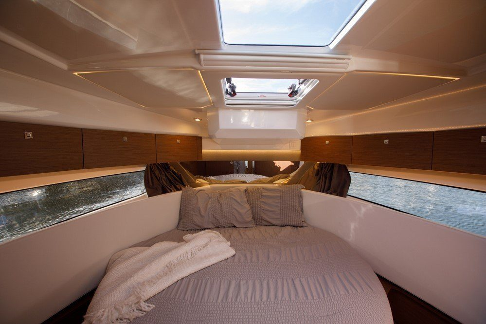 merry fisher 1095 fly luxury cabin