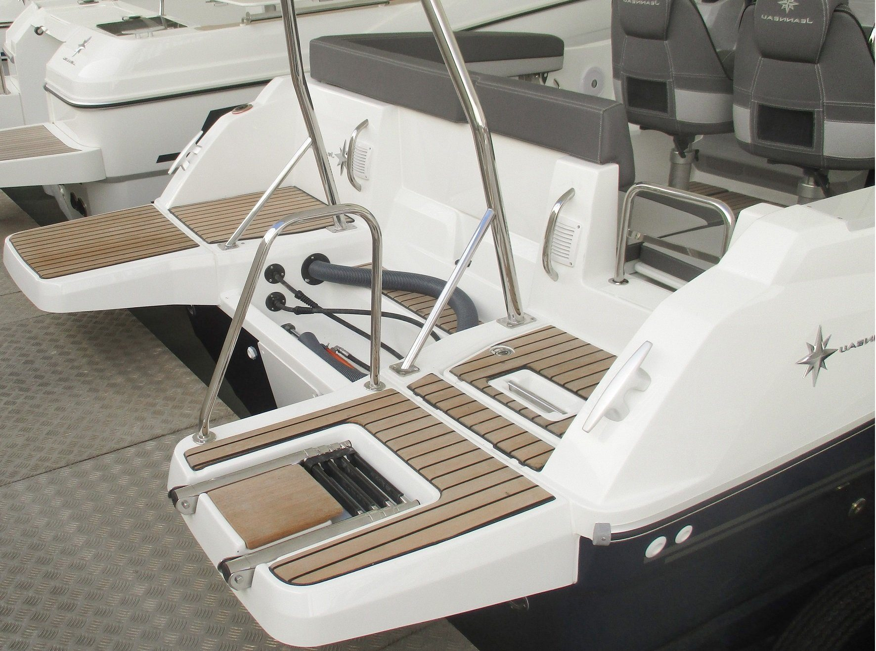 Cap Camarat 6.5 WA Serie 3 rear platform