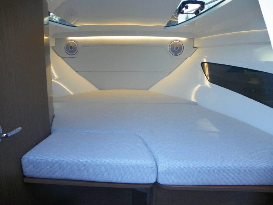 Cap Camarat 7.5 DC Serie 2 berth