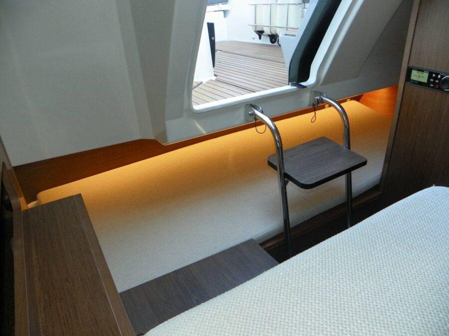 Cap Camarat 7.5 DC Serie 2 gangway steps