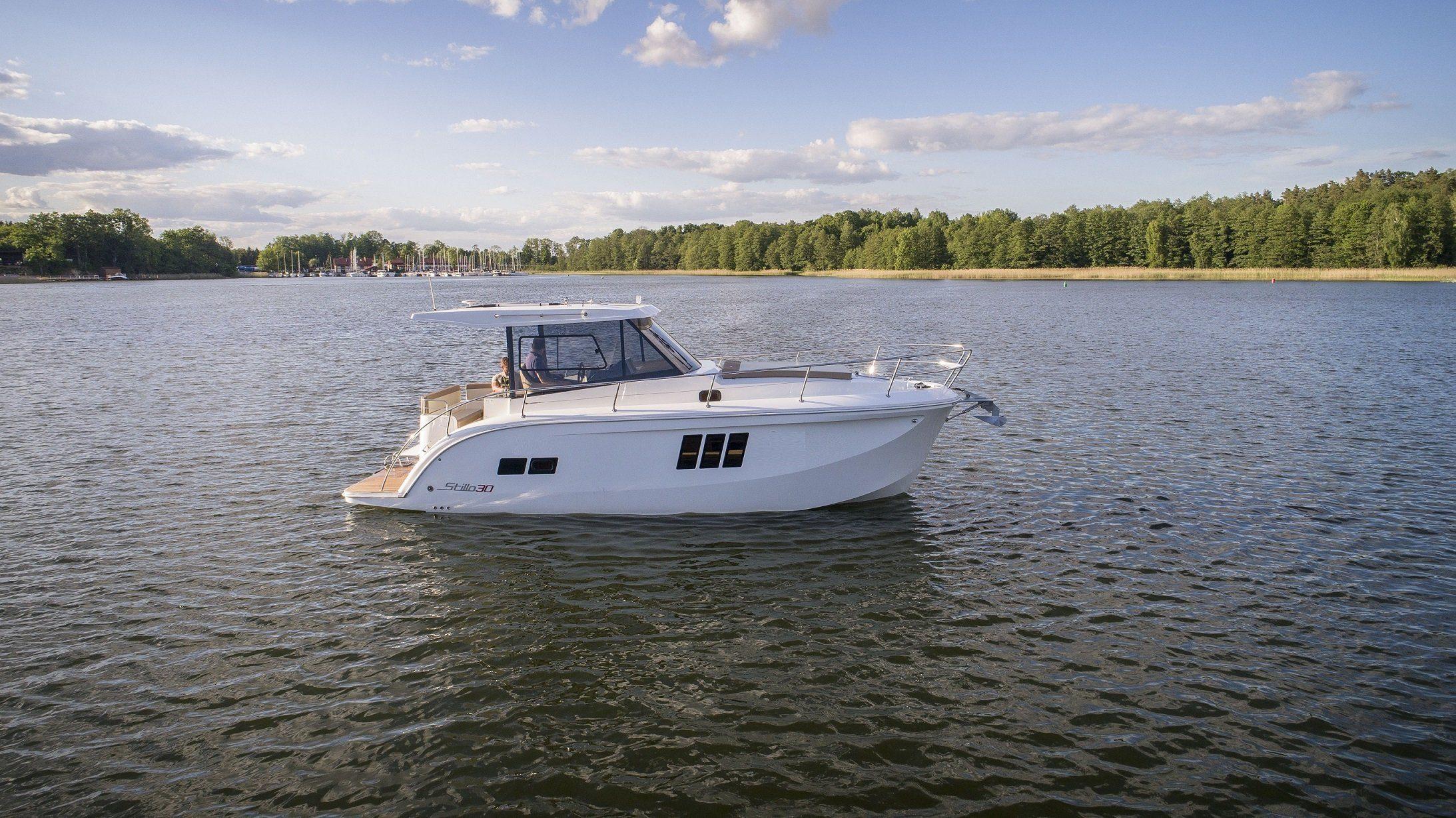 Stillo 30 motor yacht