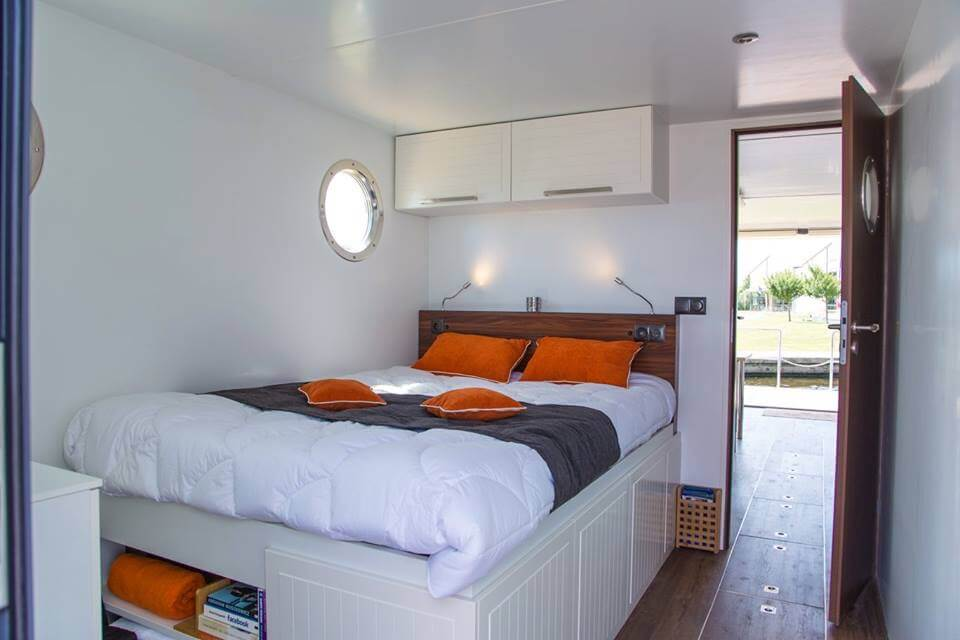 apartboat xl bedroom