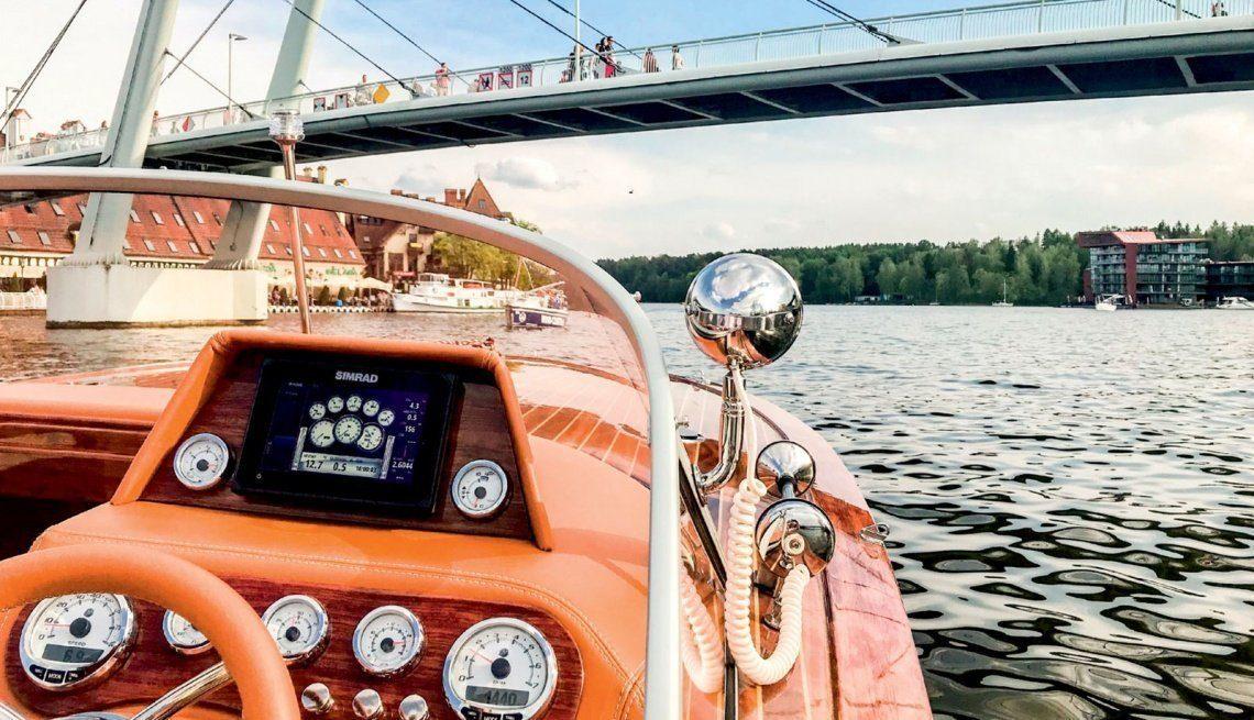 eagle one motorboat