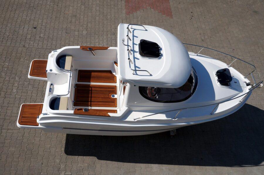 pilothouse 580 motorboat production