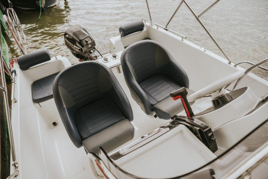 solar 530 mboat armchair