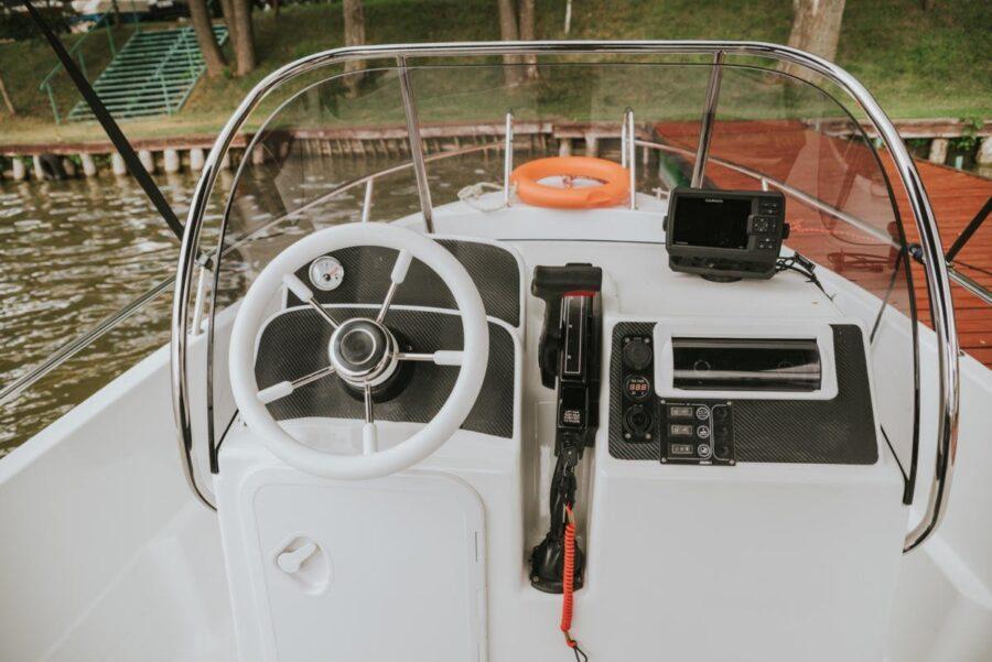 solar 530 steering wheel