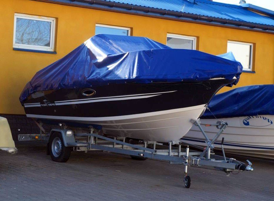 sun cruiser 570 cover motorboat