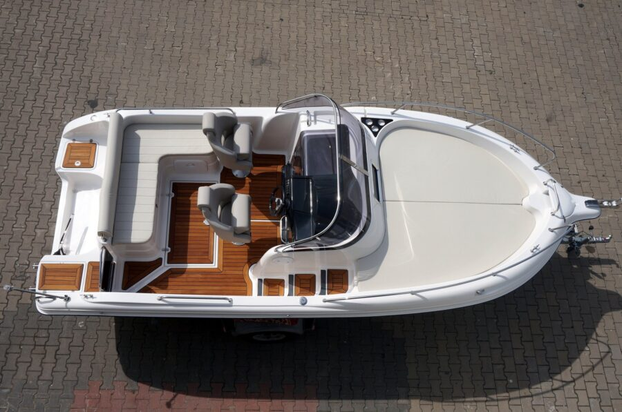 sun cruiser 650 powerboat dealer