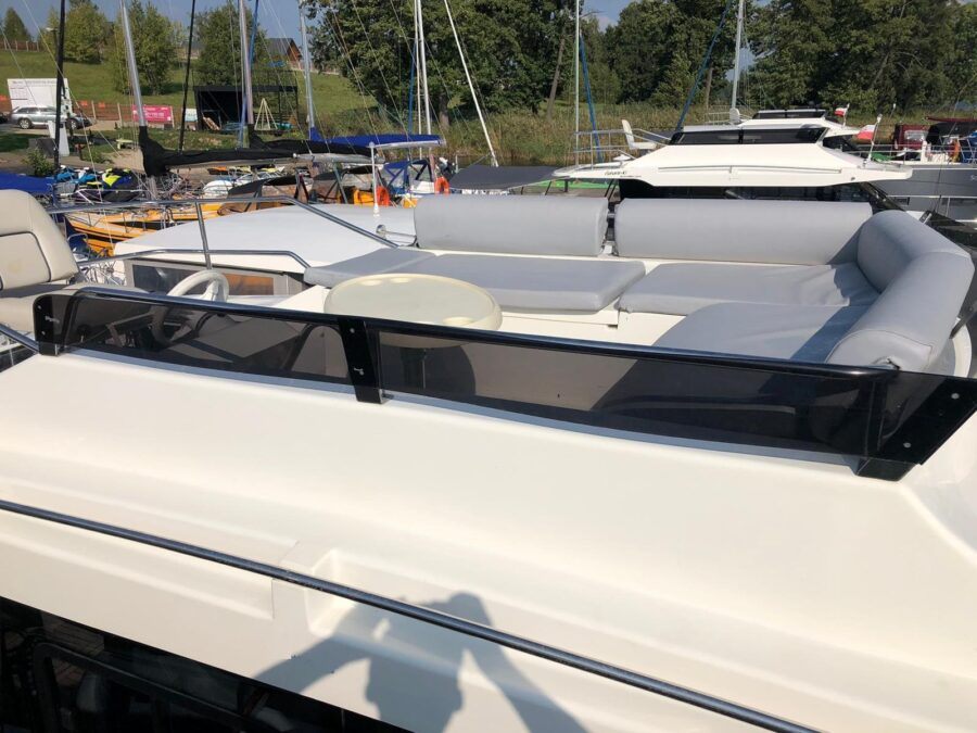 upper deck futura yacht