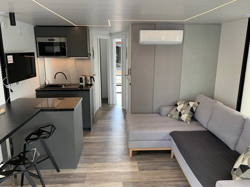 modern 11 living room boat house