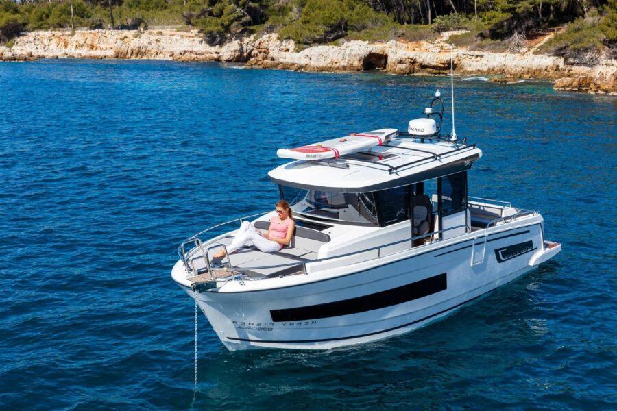 895 marlin front boat