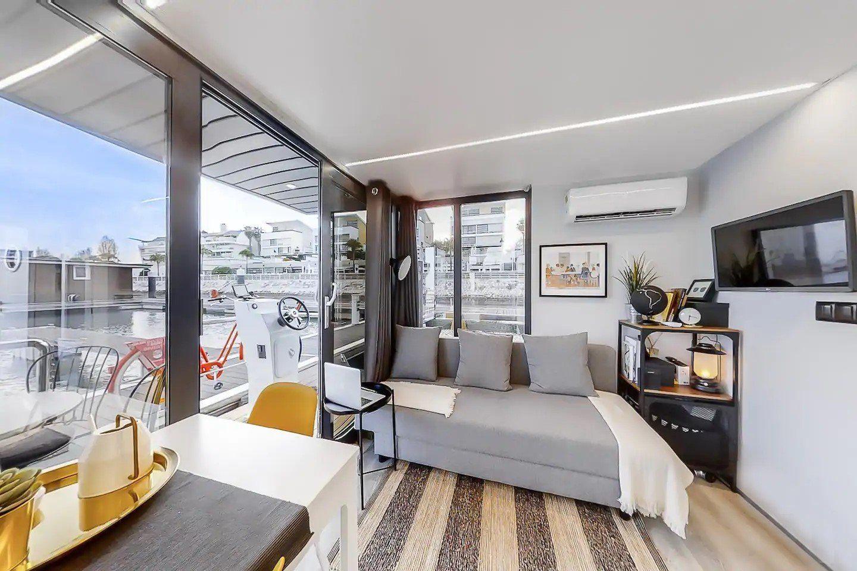 apart xs houseboat manufacturer