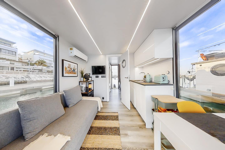 apart xs interior boat house