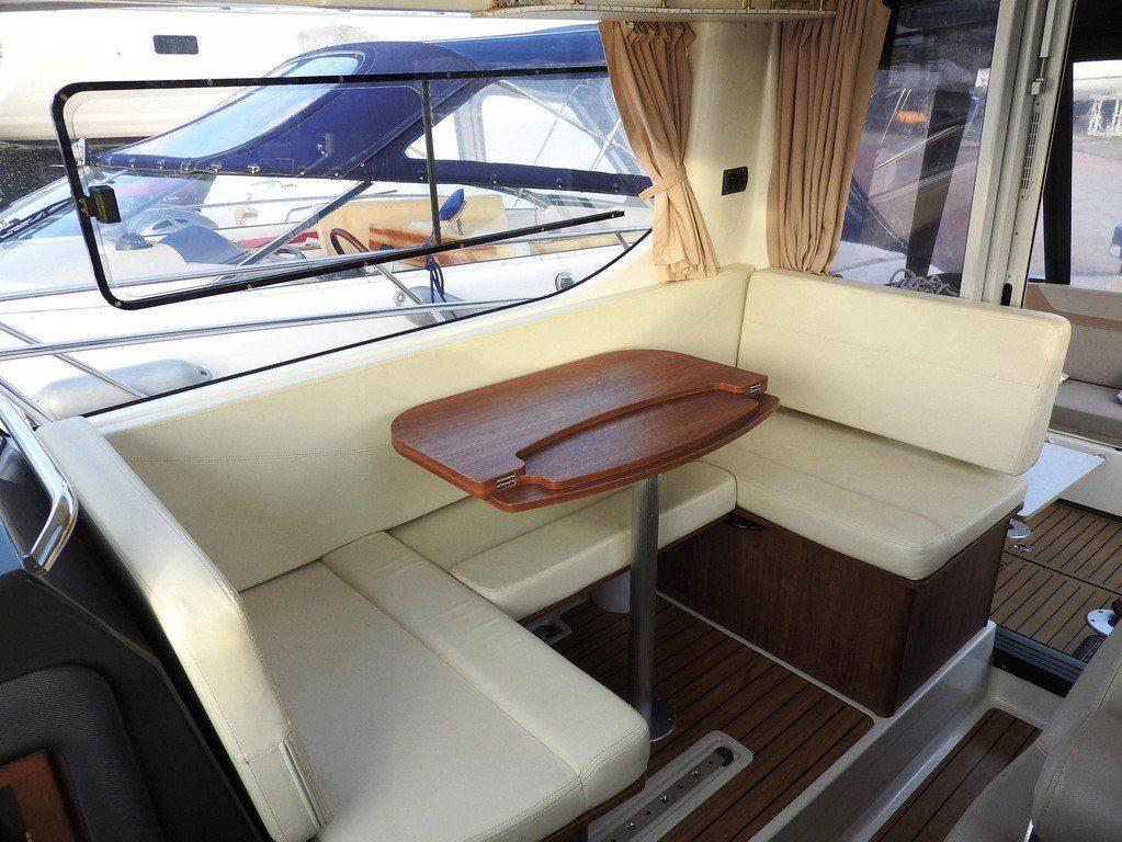 quicksilver activ 855 weekend interior