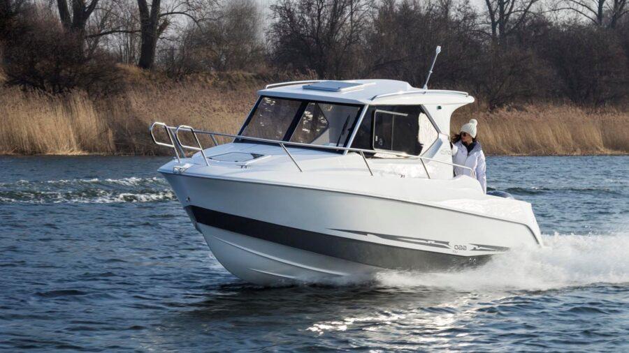 galia small cabin cruiser boat