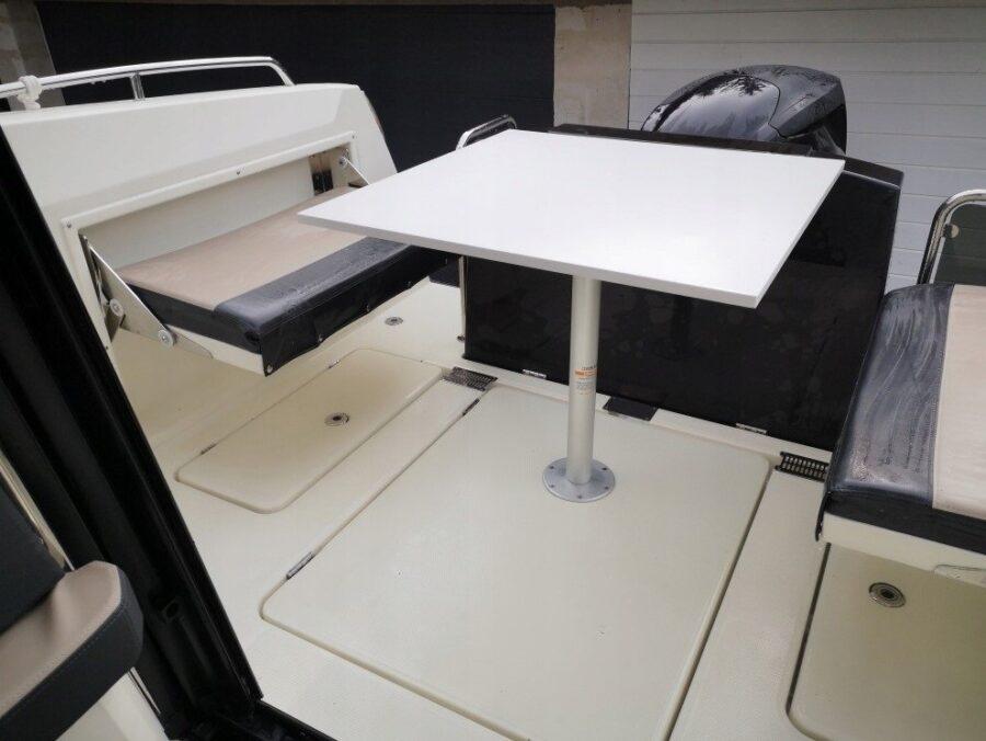 parker 750 cabin cruiser board