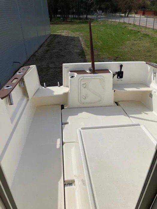 jeanneau 655 deck pilothouse boat
