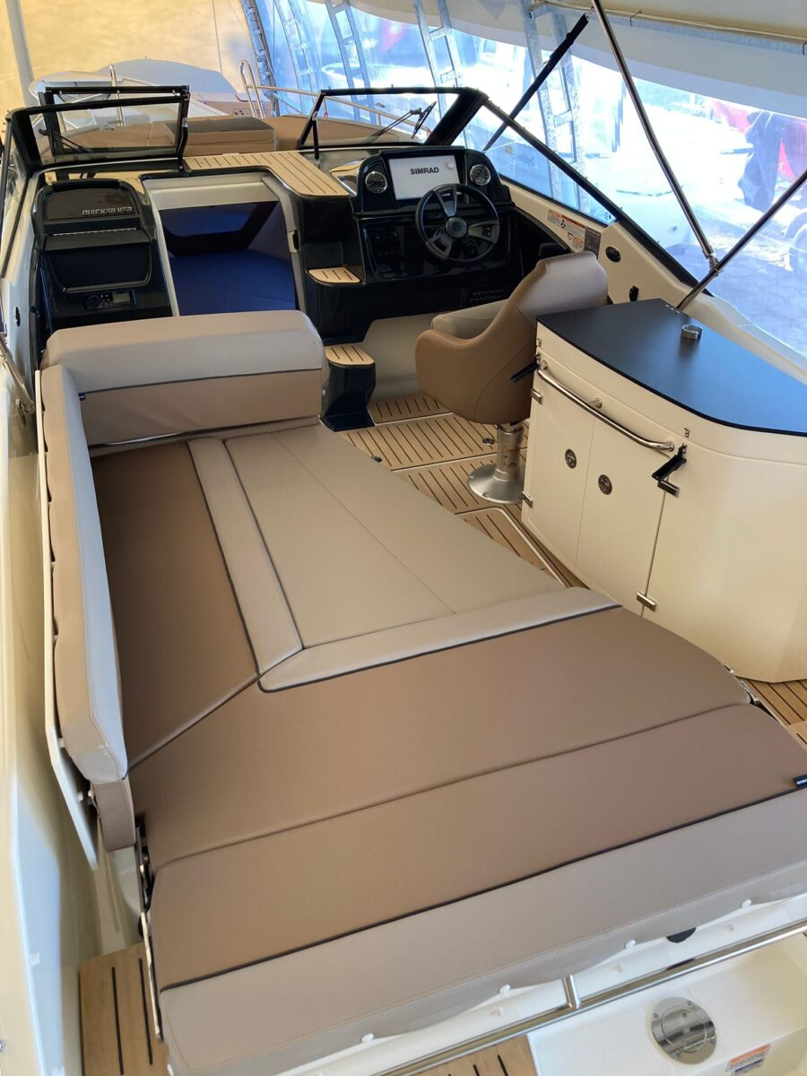 quicksilver 755 cruiser cockpit cushion